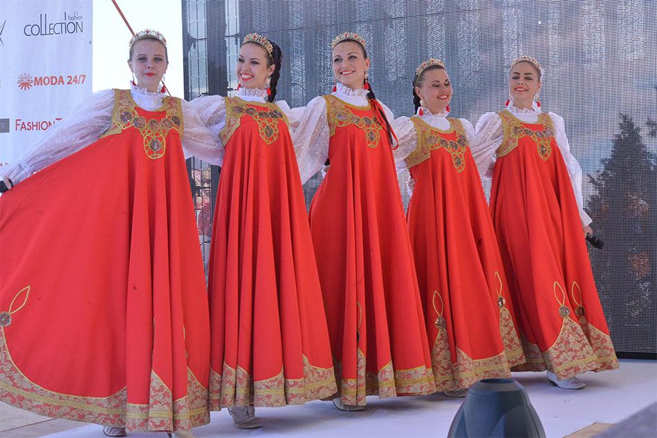 XII Российский фестиваль моды «Плес на Волге. Льняная палитра» 15 июля 2017 года, г. Плес